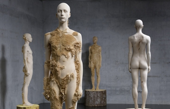 Incredible Wood Carvings by Sculptors Aron Demetz and Shan Hur