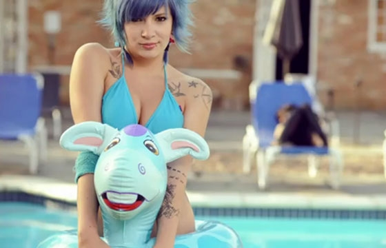 Poolside Suicide Girl
